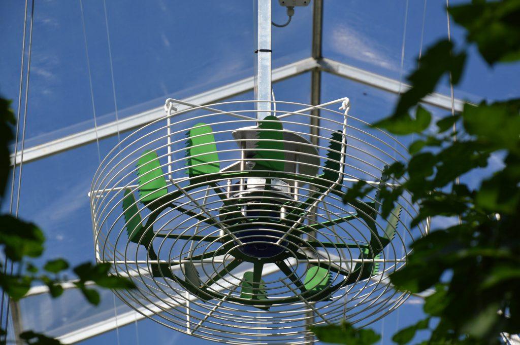 Hinovator de verticale ventilator